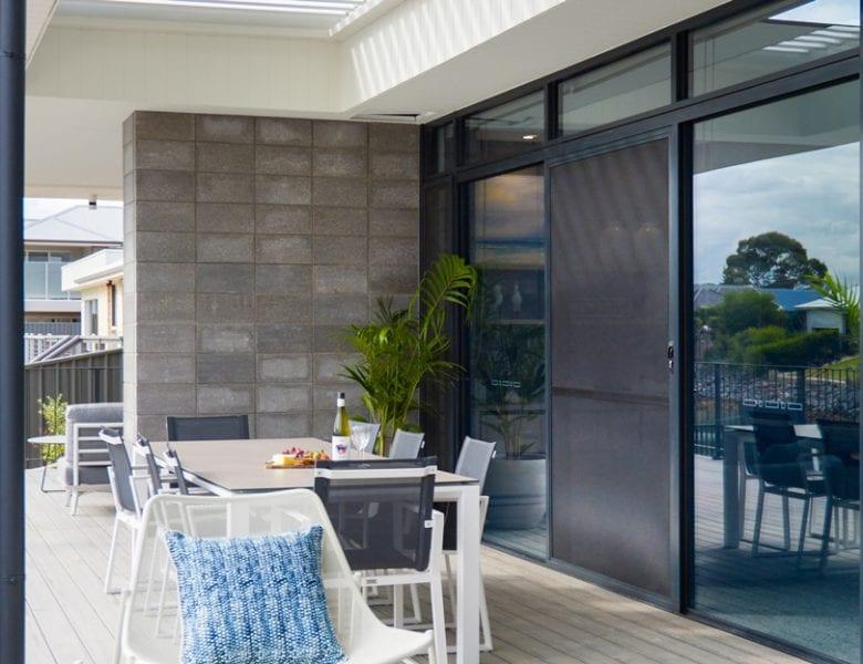 Beach-House-exterior-banner